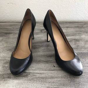 Ann Taylor Black Genuine leather round toe heels